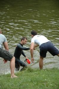 Gouvernatorman Schwimmausstieg